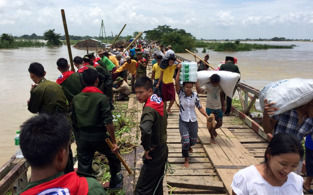 Rising rivers threatens Myanmar's flood plagued communitiesReading Time: 3 min
