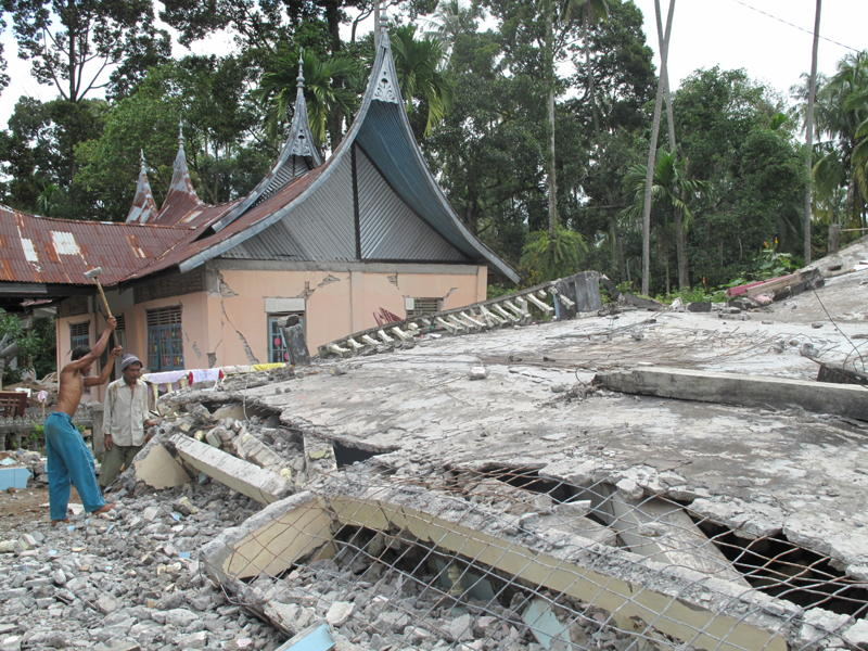 Sumatra Quake Relief – On the ground from Padang and Pariaman